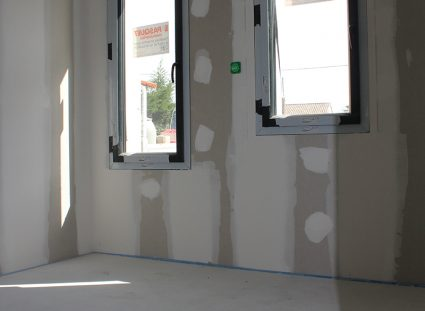 maison contemporaine bordeaux avec fenêtres