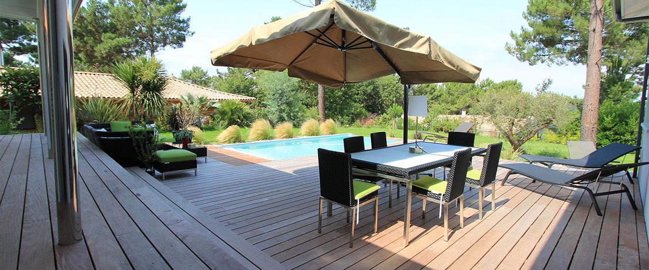 maison-avec-grande-terrasse-en-bois-panorama