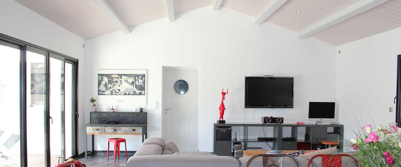 plafond rampant dans la maison