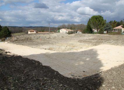 maison neuve en Dordogne terrain en surplomb