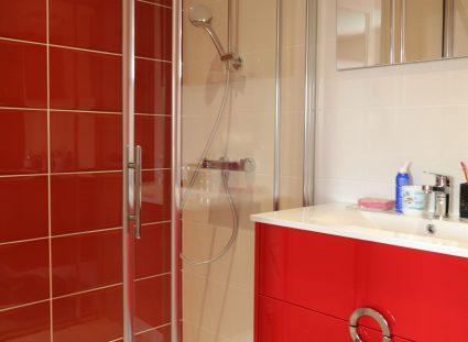 salle de bain pour enfant avec confort