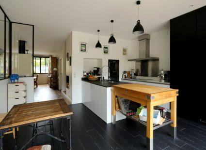 maison de ville avec cuisine moderne