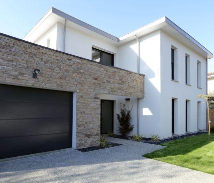 maison en parement pierre
