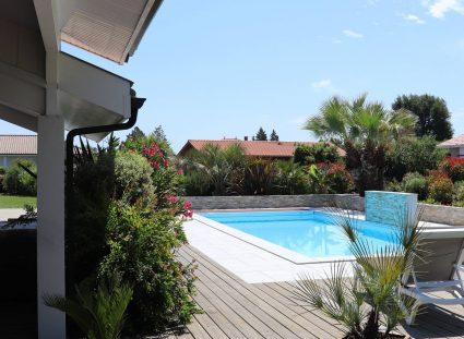 Une maison avec piscine dans les Landes