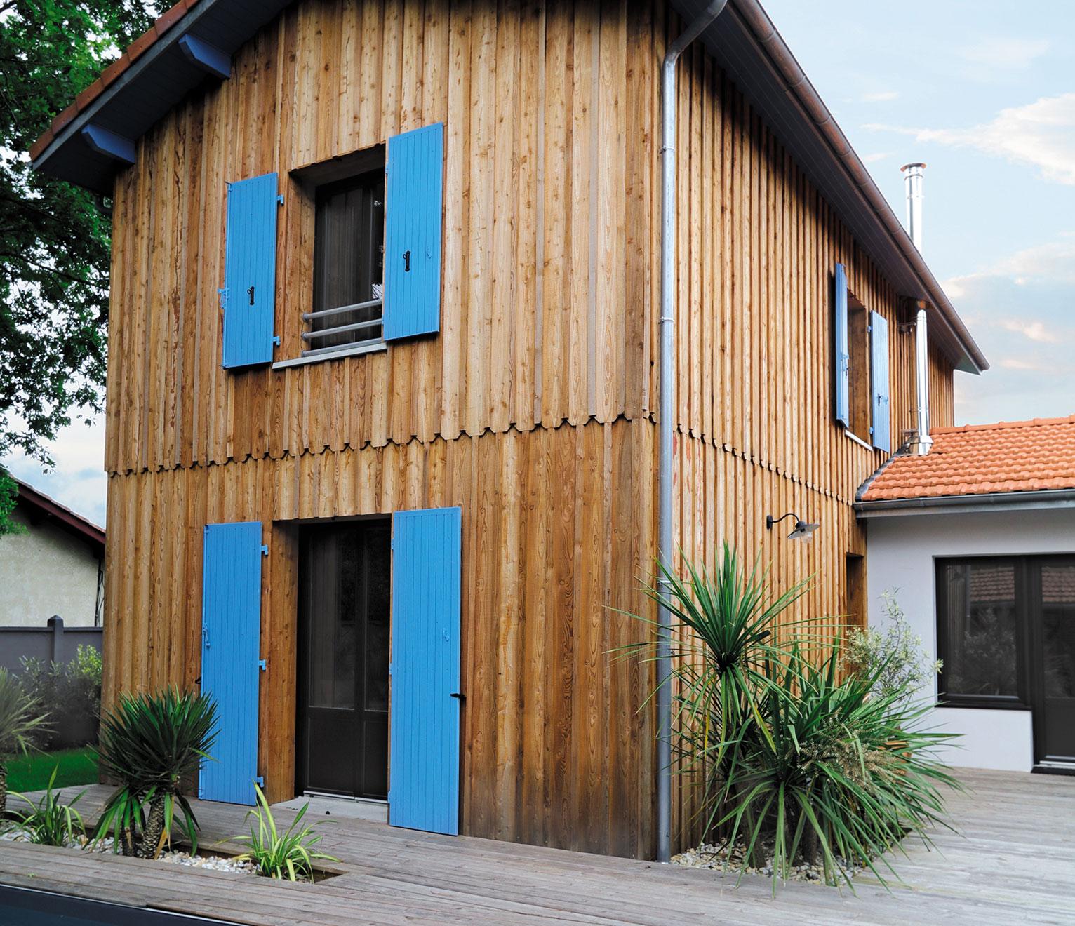 maison avec bardage bois finitions