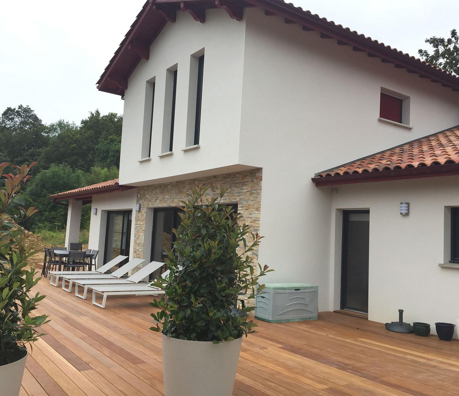 la maison contemporaine basque signée Maison Aquitaine