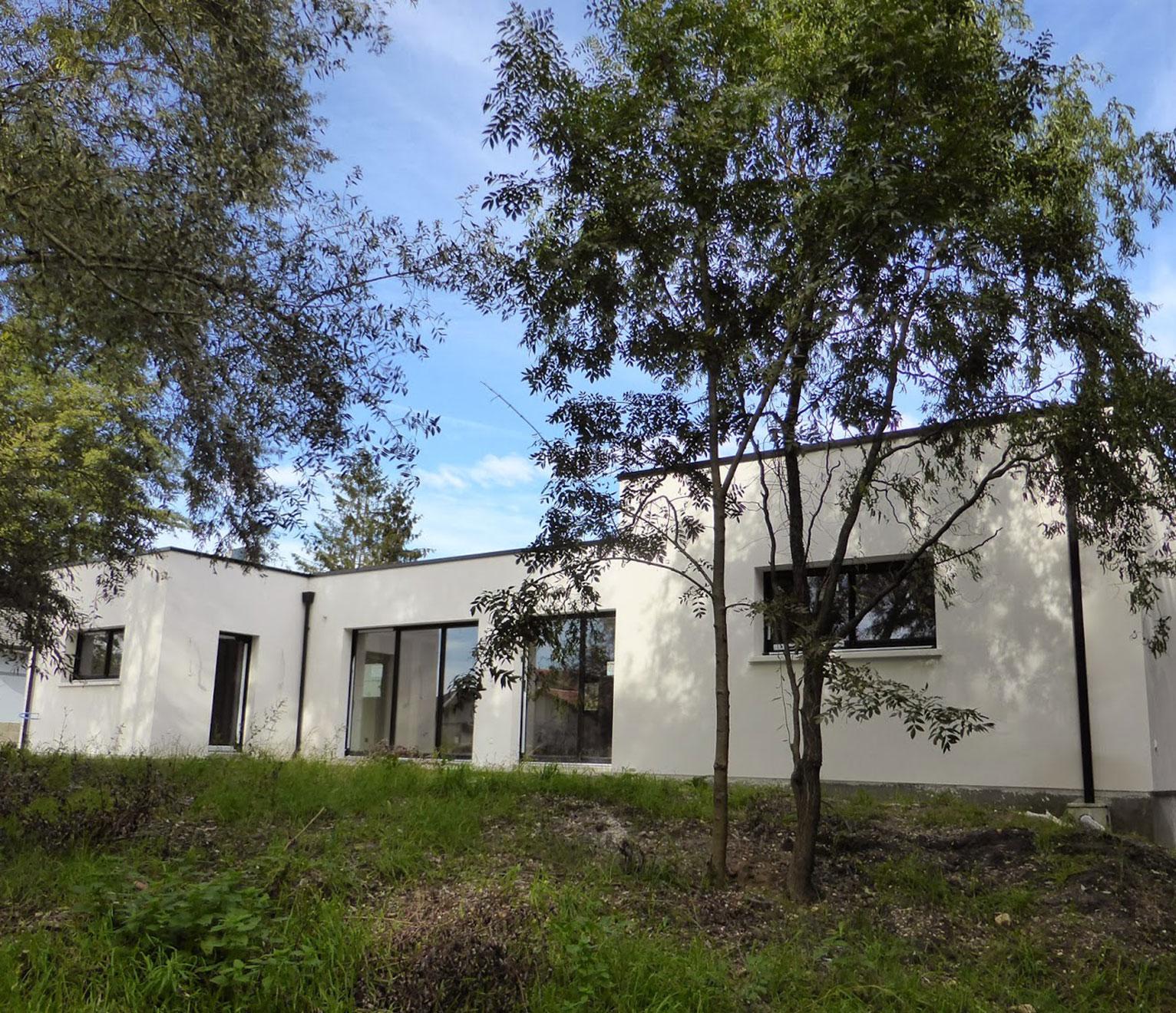 une maison toit terrasse signée Ariane Constructions