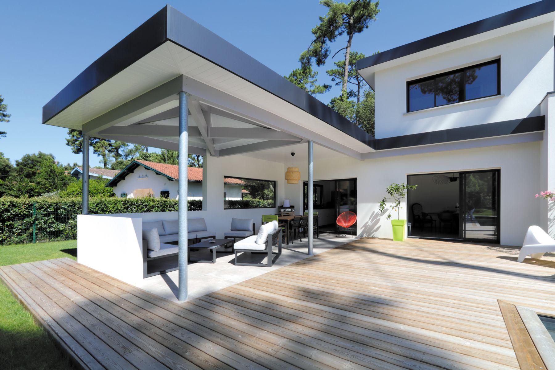 grande terrasse couverte