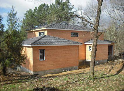 maison a étage ossature bois tuiles minérales