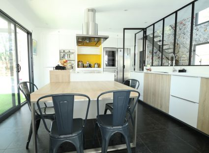 maison design avec cuisine lumineuse