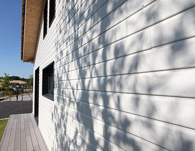 maison ossature bois les alternatives au bardage bois naturel