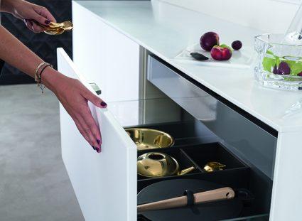 cuisine avec tiroirs avec fermeture progressive