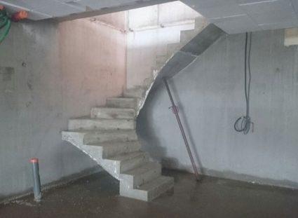 maison exception lacanau escalier béton
