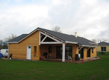 une maison ossature bois en Aveyron avec grand-jardin