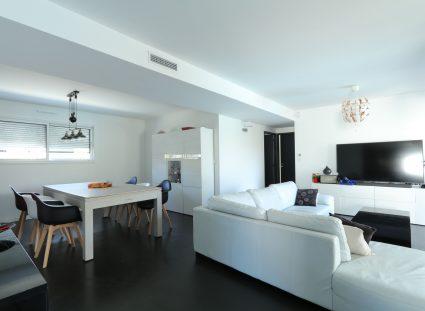 maison contemporaine salon séjour lumineux
