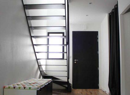 escalier dans le hall d'entrée