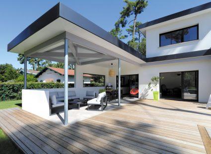 maison design avec terrasse couverte