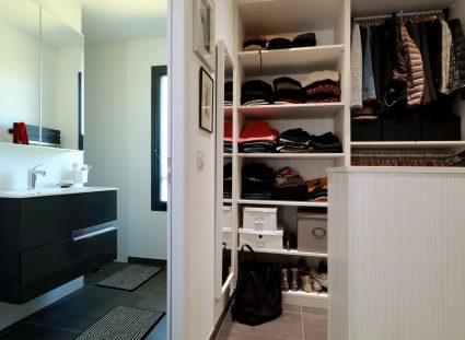 jolie maison chambre avec dressing