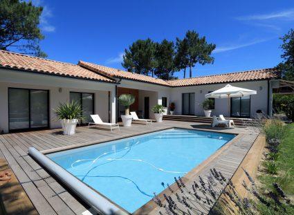jolie maison contemporaine avec piscine