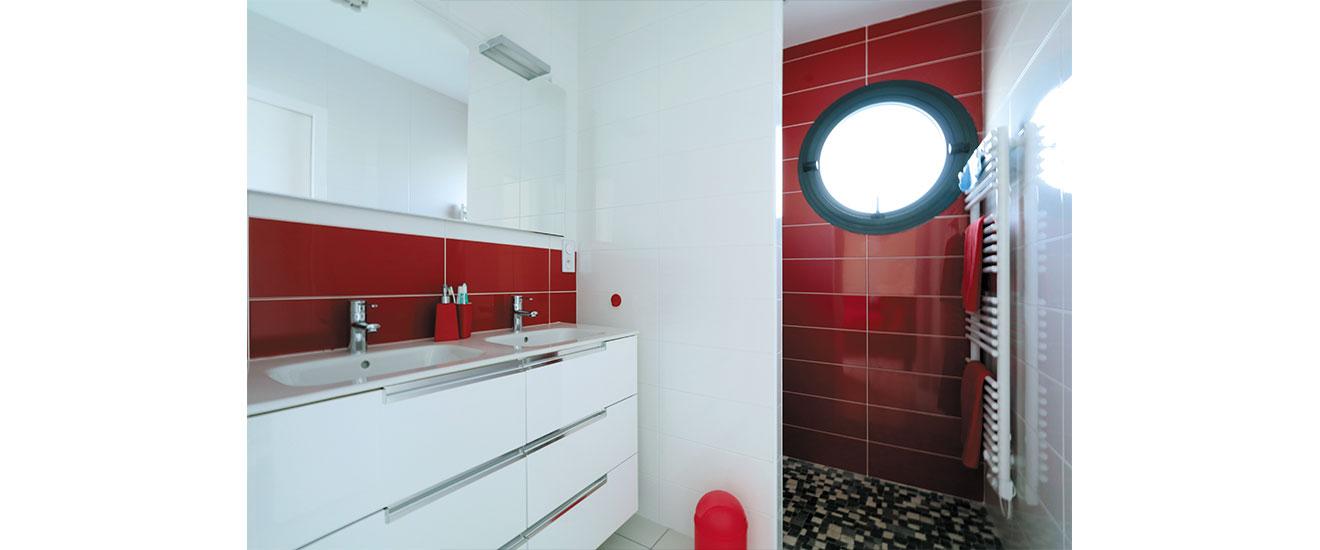 la lumière dans la salle de bain