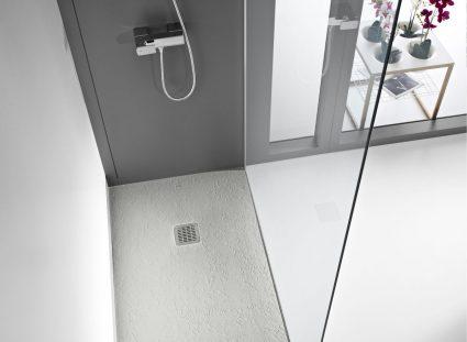 lumière naturelle dans la salle de bain