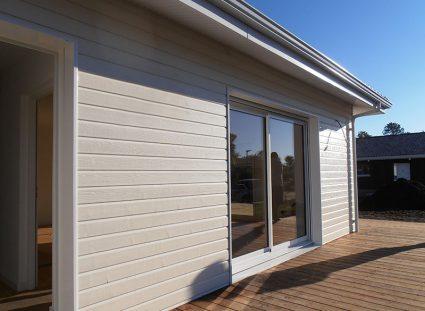 maison bois avec baies vitrées
