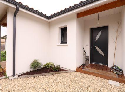 maison contemporaine porche entrée