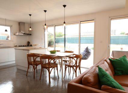maison contemporaine Arcachon avec séjour moderne