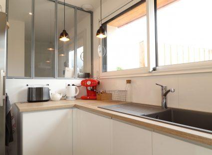 maison contemporaine avec cuisine lumineuse