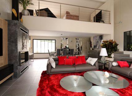 maison contemporaine grand séjour lumineux