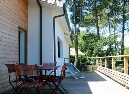 belle maison dans les landes terrasse bois