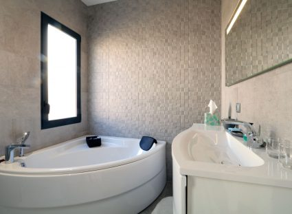 maison de ville bordeaux salle de bain baignoire