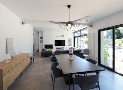 maison design avec séjour lumineux