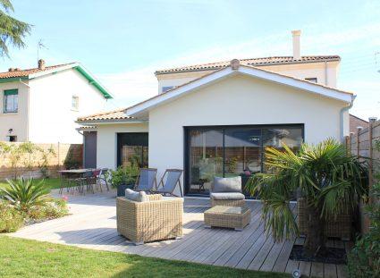 maison élégante bordeaux terrasse