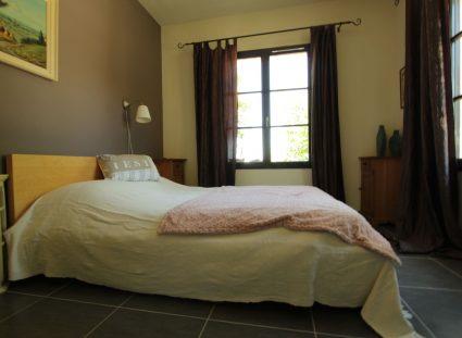 maison en Dordogne grande chambre