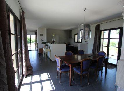 maison en Dordogne salle a manger