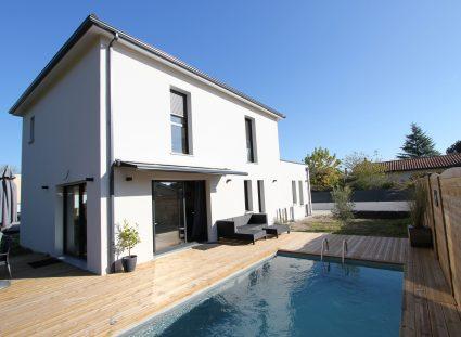 maison igc contemporaine avec piscine