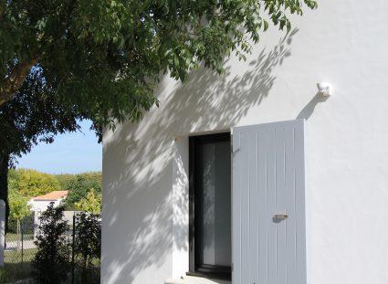 maison à la rochelle avec détail architectural