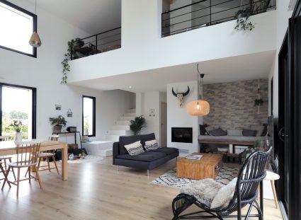 maison basque avec hauteur sous plafond