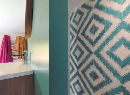 maison basque salle de bain contemporaine