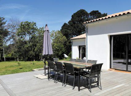 maison vendéenne grande terrasse bois