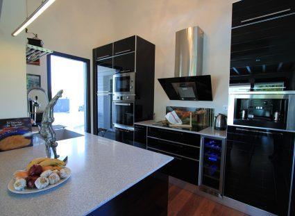 une maison bois cuisine moderne