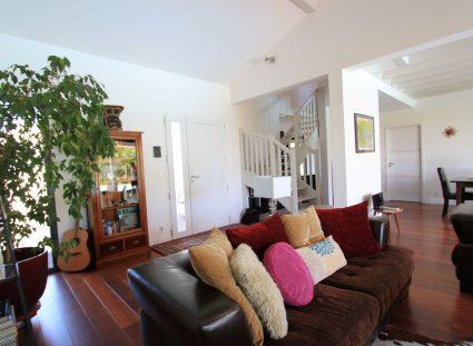 une maison bois espace salon