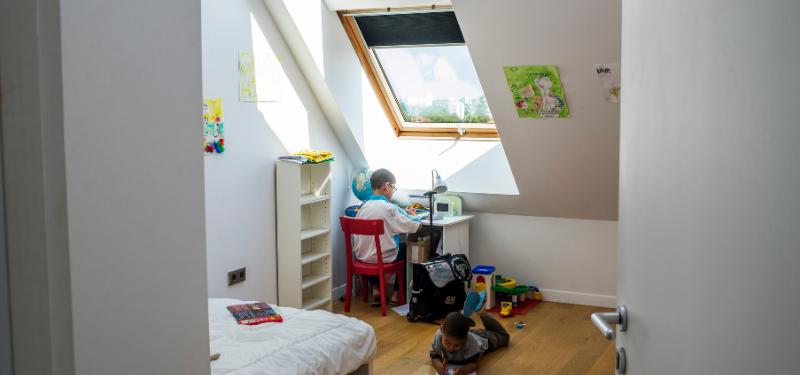 lumière naturelle avec fenêtre de toit