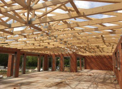 chantier maison plain-pied pose charpente