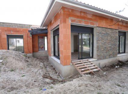 maison en construction carrelages et parements