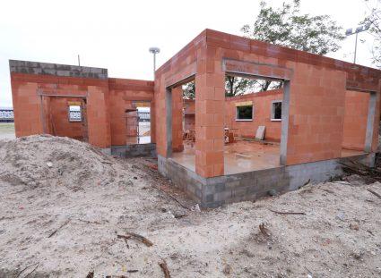 maison en construction fin de l'élévation des murs