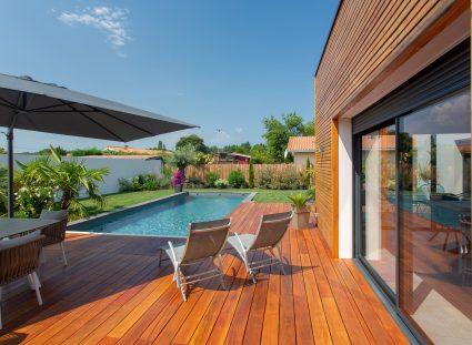 terrasse avec lames de bois