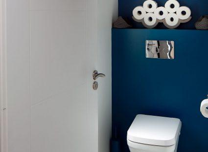 toilettes avec carreaux ciment