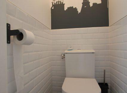 toilettes carreaux métro